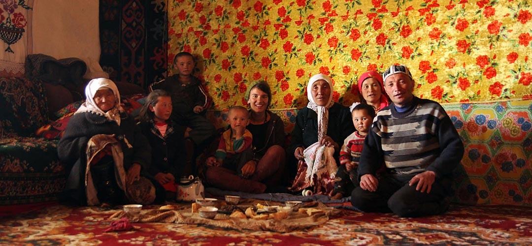 zum-tee-bei-einer-tadschikischen-familie-im-pamir